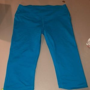 Gap Fit Medium Teal Capri